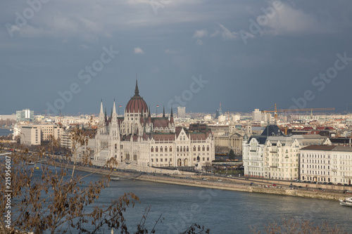Foto Spatwand Boedapest Budapest. Dunaj. Hungary, a city landscape, a look with top