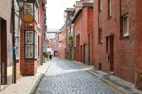 Aluminium Smalle straatjes The old Lüneburg street.