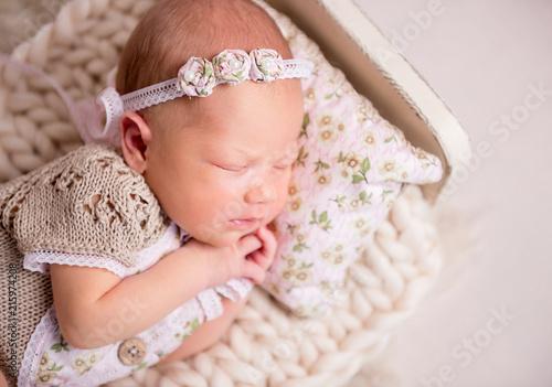 Leinwandbild Motiv sleeping newborn baby girl