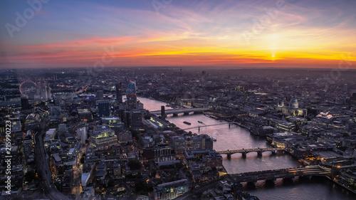 Foto Spatwand London London in der Goldenen Stunde
