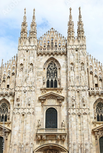 Foto Spatwand Milan the cathedral of Milan Italy - famous italian architecture landmarks