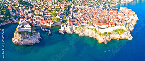 Leinwanddruck Bild Historic city of Dubrovnik aerial panoramic view