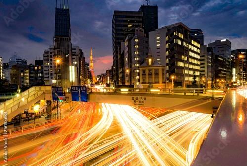 In de dag Nacht snelweg 交差点 / intersection