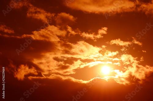 Foto Spatwand Baksteen 輝く太陽と雲