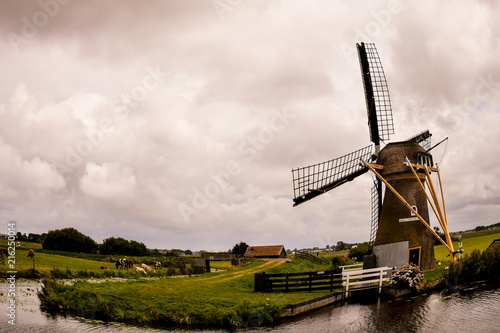 Canvas Lente Classic Vintage Windmill in Holland