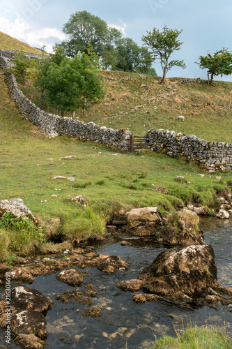 Canvas Pistache View of the countryside around Malham Cove in the Yorkshire Dales National Park