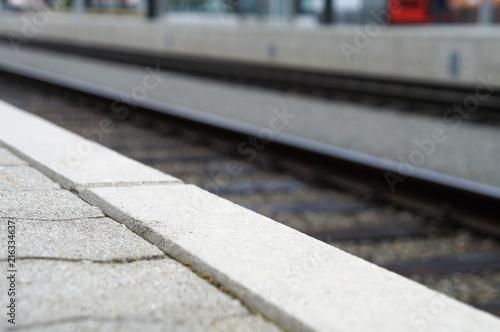 Bahnhof, Bahnsteig