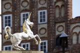 historische Altstadt Lüneburg - Einhorn-Skulptur - 216343424