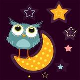 Смешная сова смотрит на звезды