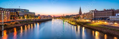 Leinwanddruck Bild Bremen skyline Panorama bei Nacht mit Blick über die Weser