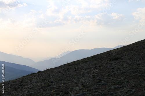 Fotobehang Grijze traf. Tian Shan Gebirge