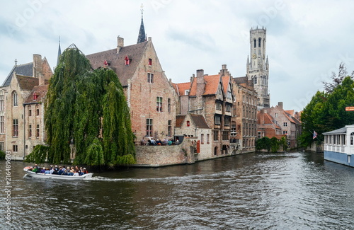 In de dag Brugge Canal and famous Belfry tower in the historic center of Bruges, Belgium