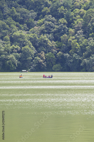 Aluminium Olijf Small wooden boats on the Phewa Lake in Pokhara, Nepal