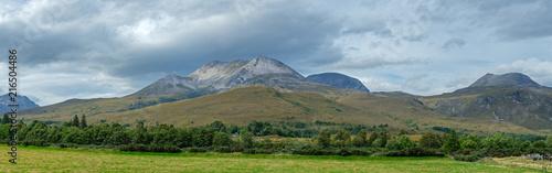 Foto Spatwand Blauwe hemel Mountain ridge in the Torridon area of the Highlands of Scotland