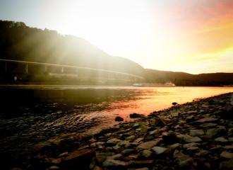 Sonnenuntergang am Rhein bei Andernach © costadelsol