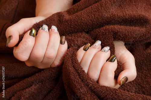 Foto Spatwand Manicure Female hands with manicure