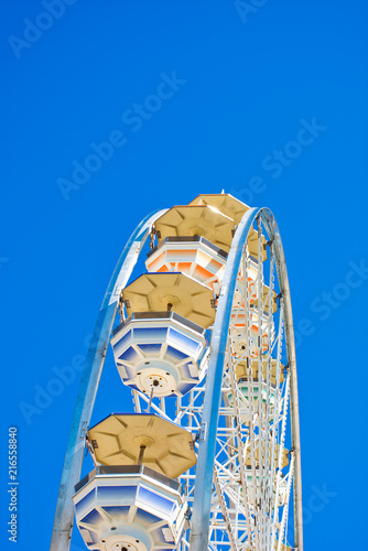 Aluminium Amusementspark Amusement Park - Ferris Wheel - Summertime - Abstracted View
