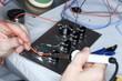 Draht an Elektrobauteil löten