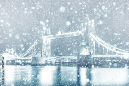 Plexiglas London View of Tower Bridge in London with snow