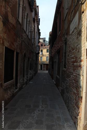 Aluminium Smalle straatjes Venice Side Street