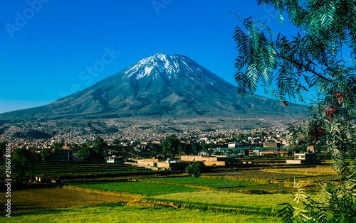 Foto Spatwand Groen blauw Volcan Misti, Arquipa - Peru