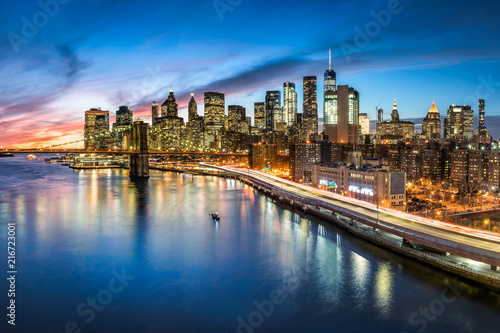 Foto Murales Manhattan skyline bei Nacht, New York City, USA
