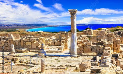 Fotobehang Freesurf Antique Cyprus - Kourion temple over sea