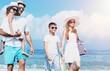 Quadro Happy family on vacations on beach