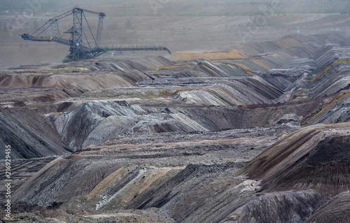 Fotobehang Donkergrijs Tagebau, Abraum
