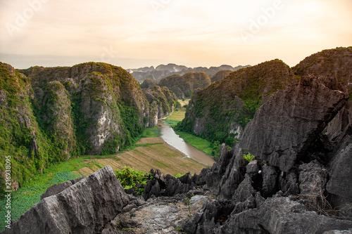 Canvas Wit Vietnam