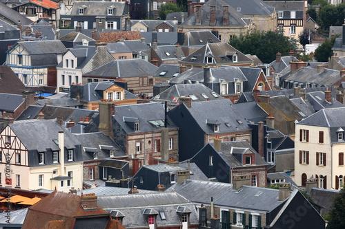 Sticker Die Altstadt von Etretat in der Normandie