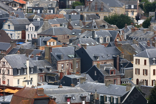 Foto Murales Die Altstadt von Etretat in der Normandie