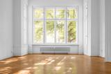 window in empty room, old apartment building with  parquet floor  - 217022228