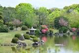 春爛漫の日本庭園の情景