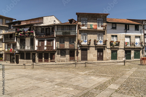 Foto Murales Landscape of the city of Guimarães in Portugal