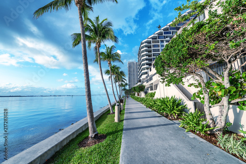 Foto Murales Brickell Key oceanfront at dawn, Miami