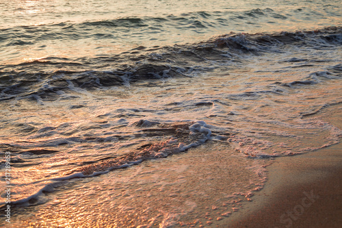 Canvas Zee zonsondergang sea wave at sunset