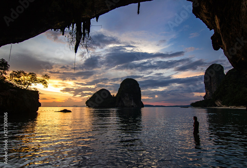 Foto Spatwand Thailand Sunset on the beach of the princess - Railay, Thailand.
