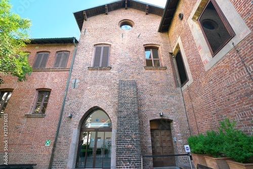 Foto Spatwand Milan Milan,Italy-July 24,2018: Exit of Abbey(Cenacolo Vinciano), where The Last Supper is displayed, of Chiesa di Santa Maria delle Grazie, Milan