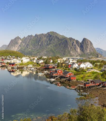 Foto Murales Fishing harbor in the beautiful village Reine in the Lofoten Islands, Norway