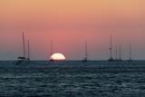 Coucher de Soleil sur l'île de Santorin dans les Cyclades Grecques - 217516045