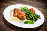 Grilled chicken breast and vegetables - 217519864