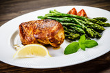 Grilled chicken breast and vegetables - 217519893