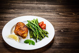 Grilled chicken breast and vegetables - 217520064