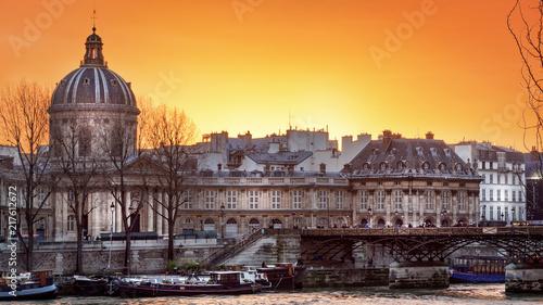 Sticker Académie française à Paris, le soir