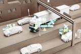 Spielzeug Fahrzeuge auf einer Karton Autobahn simulieren Autonomes Fahren