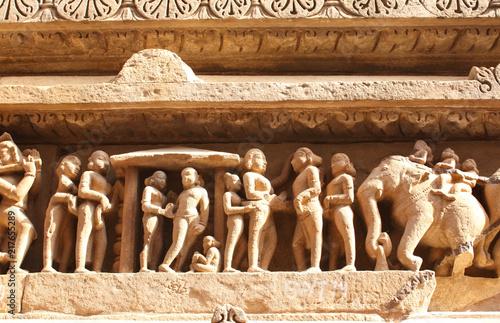 Foto Murales Famous human and animals sculptures at temple, Khajuraho, India