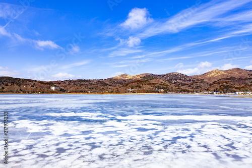 Canvas Blauwe hemel 全面結氷した山中湖、山梨県山中湖村平野にて