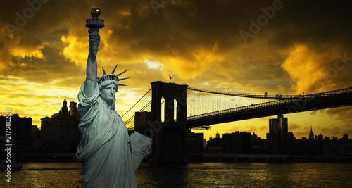 Plakat New York City Manhattan skyline and Brooklyn bridge