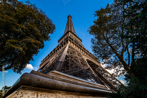 Aluminium Eiffeltoren Tour Eiffel en contre plongée